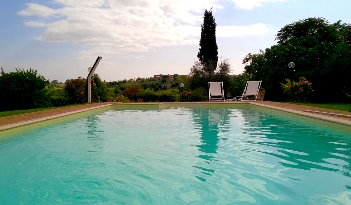 Agriturismo in toscana podere caggiolo - Agriturismo firenze con piscina ...